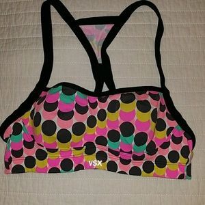 32b VSX Victoria's Secret sports bra